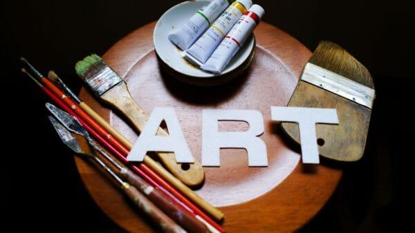 芸術家のための在留資格「芸術」(芸術ビザ)の申請とポイント